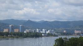 Красноярск, вид на город с Коммунального моста через Енисей.