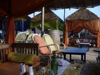 Один из шейков Баги...оч пиятно в нем находиться когда на самом пляже солнцепек...в районе с 13 до 16 часов