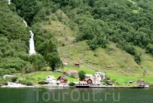 Водопад совсем рядом с поселком