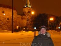 Большие Морские ворота и башня Толстая Маргарита были построены для защиты города от нападения с моря, а еще для того, чтобы производить впечатление на прибывающих в Таллинн заморских гостей.