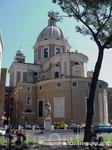 Это фото из инета, хотелось показать  Мавзолей  Августо во всей  красе,когда реставрационные работы не проводятся. На переднем фоне памятник  императору ...