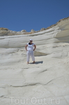 Белые скалы. Сюда завозят не всех, а только тех кто берут индивидуальную обзорную экскурсии по острову.
