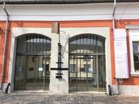 А это ещё один из музеев Сентендре. Вообще-то их здесь много, и все различной тематики: есть музей вина, музей маципана,  музей сербского правсославного ...