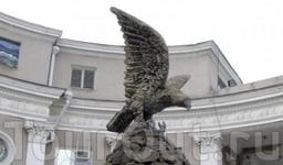 Скульптура Орел