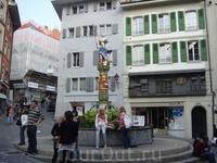 Фонтан где-то в центре старого города