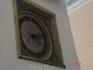 Вот знаменитые часы на Церкви Святого Духа - одни из самых старых в Таллинне. Иногда они расходятся в своих показаниях с ратушными часами, и тогда их приходится ...