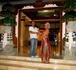 Прощание у отеля с нашим Балийским гидом Рагимой, а для русских он – Рома.  Чумавой гид !  Индонезия. БАЛИ