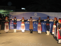 Фольклорный фестиваль в Ханиоти. Выступление греческого коллектива.