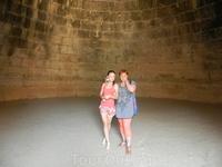 Внутри гробницы Агамемнона