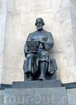 Памятник в честь 850-летия Владимира