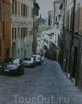 Типичная улица с уклоном