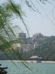 Летний императорский дворец - парк Ихэюань на рукотворном озере Куньминху