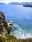 Вид со спуска на море
