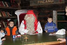 На приёме у Санта Клауса.