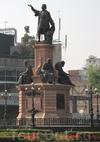 Фотография Памятник Колумбу на Площади Революции