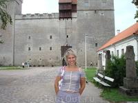 На острове Саарема, путешествие в давние времена, осмотр замка.