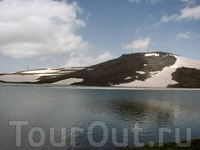 Гора Арагац, озеро Карилич