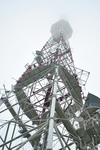 Телетрансляционная башня в тумане