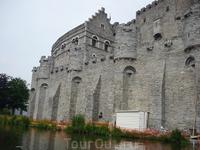 Крепость  Графов ( Замок  графов  Фландрии).1180год.
