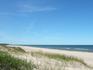 Пляжу Вентспилса присвоен Синий флаг. Это значит, что море чистое и пляж благоустроен.