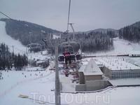 Центральный подъёмник 2а утром , вечером  склон освещается.            http://bukovel.com/