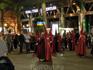 Эти колпаки называются по-испански el capirote. Первые пасхальные процессии датируются примерно XVI веком и тогда же появилась традиция скрывать свое лицо ...