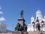 Чайка на рабочем месте (памятник Александру II)