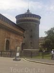 Правая угловая башня замка