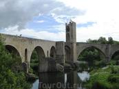 И снова мост, только теперь фото сделано с того места, где была синагога в городе