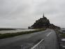 Это место, наверное, знают все. Аббатство Мон-Сан-Мишель. В июле-августе не протолкнуться от желающих посмотреть на монастырь и приливы-отливы. Самые сильные ...