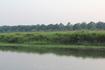 Река в Читване, за ней заливные луга а дальше начинается национальный парк