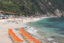 Петани бич-потрясающий пляж и море