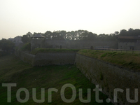 Нарвская крепость спасает от скуки во время стояния очереди на границу