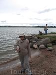 Мама на берегу Сиверского озера
