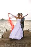 Танец невесты на пирсе
