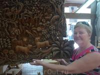 Экскурсия по реке Квай,тиковая мебельная фабрика-картина вырезана из целого дерева