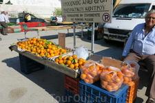 рынок в местечке Кремасти