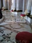 тот же Овальный зал,скульптуры аллегорий .