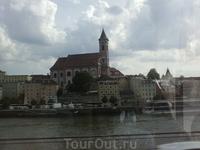 Наконец, показался Дунай