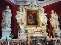 В церкви на острове Богородицы на рифе