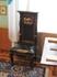 Библиотека. Массивные кожаные стулья.