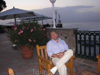 Тихий вечер в Сорренто.На террасе отеля.