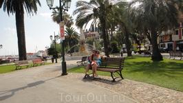 Ухоженный чистый газон, аккуратные улочки и гостепрееимные люди главная особенность Италии
