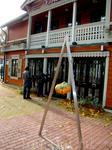 один из небольших дезайнерских отелей Юрмалы. Как большинство - в старом особняке из дерева
