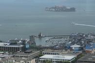 Туманный Сан-Франциско и знаменитая тюрьма Алькатрас. Чтобы попасть внутрь бронируйте билеты заранее в интернете.