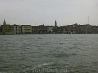Приближающаяся островная Венеция
