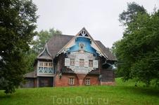 """Смоленск, Талашкино, знаменитый """"Теремок""""."""