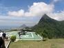 вид на гору Корковадо, статуя скрыта в облаке