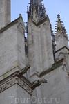 Визитная карточка Амьена видна издалека и вызывает непреодолимое желание бежать сломя голову до самого подножия собора Нотр-Дам. Этот памятник классической готической архитектуры Европы является самым