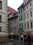 """Тот самый дом """"У черной звезды"""" на улице Семинарской. Дом на Семинарской улице упоминается уже в начале 15 века, когда его владельцем был ювелир Фридлин ..."""